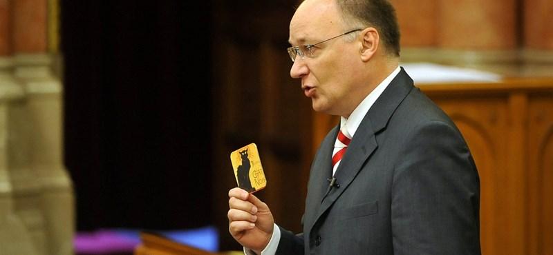 """""""Mélyponton van az Orbán-kormány hitelessége"""""""