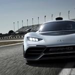 Bugattit eszik reggelire a Mercedes közúti F1-autója: 5 motor, 1000 lóerő, 825 millió forint