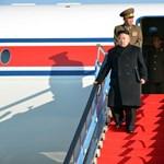 Kim Dzsong Un már nem fél a repüléstől - fotó