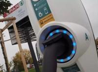 Újabb Sparoknál lehet hamarosan villanyautót tölteni