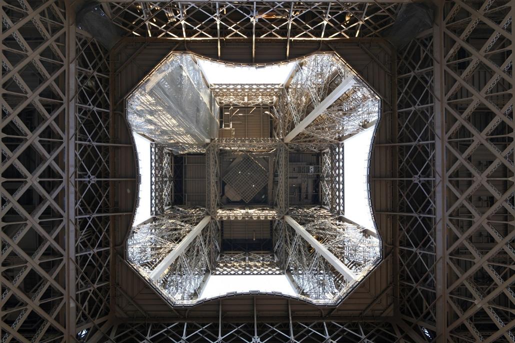 afp. Eiffel-torony 125 éves Nagyítás 2014.03.02. Párizs - France, Paris : Eiffel Tower, March 31, 1889 (Universal Exhibition in celebration of the French Revolution), Alexandre Gustave Eiffel (1832-1923), 324 meters high, 10,100 tons, 18,038 pieces, 2,500