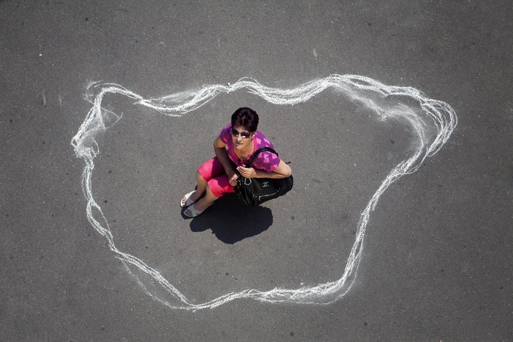 Sajtófotó 2011 - Nagyítás-fotógaléria - Emberábrázolás-portré - sorozat - 2. helyezett: Átlagmagyar