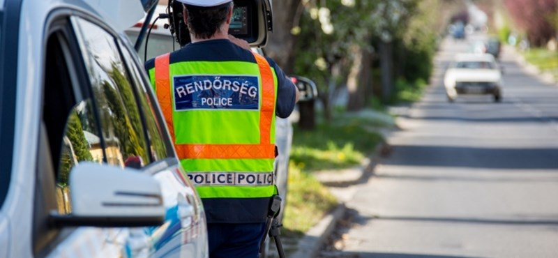 Nem semmi ez a módszer, ahogy a német rendőrök a traffipaxot álcázták