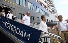 Koronavírus: karanténba kerülnek az óceánjáróról hazahozott magyarok