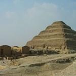 Felújítás közben megrongálták a 4600 éves Dzsószer-piramist