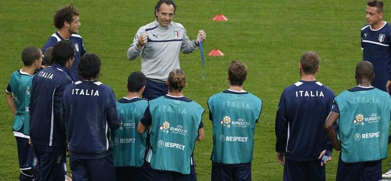 Balotelli miatt aggódik Prandelli, de optimista