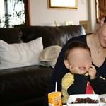 Elhagyhatja Bora Borát, de haza még nem mehet fiával a magyar anya