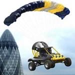Magyar pilótája volt a Guinness rekord ejtőernyős ugrásnak