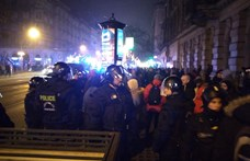 Elkezdték beidézni a decemberben igazoltatott tüntetőket a rendőrségre