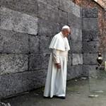Rabokkal ebédelt Ferenc pápa, ketten meg is szöktek