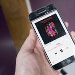 Ezt is megértük: androidos telefonnal reklámoz az Apple
