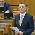 """Rétvári Bence elégedett, szerinte a magyar oktatás """"rugalmas és a diákok igényeiből indul ki"""""""