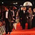 Fotó: Vilmos herceg és Kate Middleton megérkezik a Spielberg-premierre