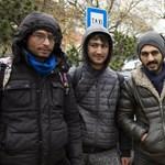 A gumicsónakokat is elkapkodták a Magyarországra tartó menekültek
