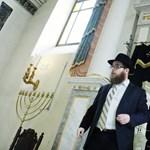 Évi 500 millióból támogatja a kormány az antiszemitizmus elleni küzdelmet