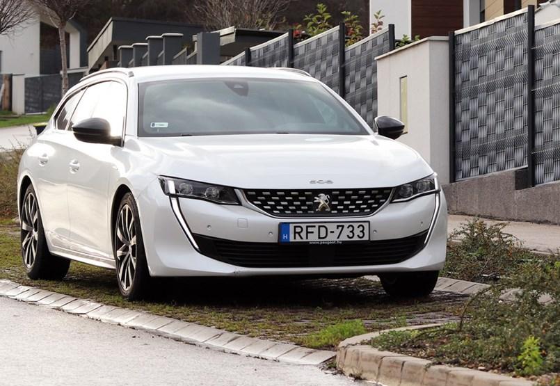 Puttonyában minden jó: teszten a Peugeot 508 kombi
