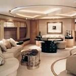 Úszó erőd vagy luxus nyaraló?