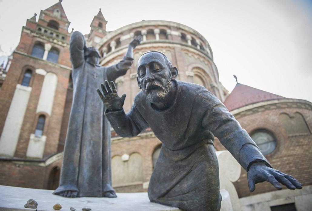 mti.14.07.17. - Szeged: felavatták a Szegedi Zsidó Hitközség áldozatainak emlékművét