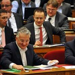 Korrupció: tovább gyengítette az Orbán-kormány az állam immunrendszerét