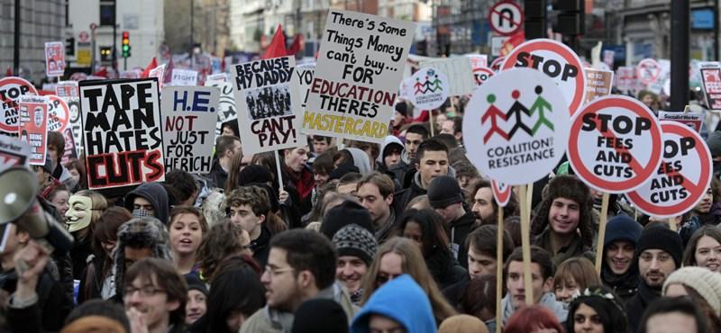 Mi történik? Diákok ezrei hagyják félbe az egyetemet