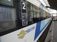 Kilencórás vonatút Szombathelyről Pécsre: kártérítést ígér a MÁV