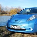 Féloldalas reklámban savazza a Nissan a Tesla Model 3-at