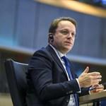 Minszkbe menne tájékozódni az EU magyar biztosa