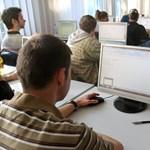 Érettségi: ma az emelt informatika, latin és héber van terítéken