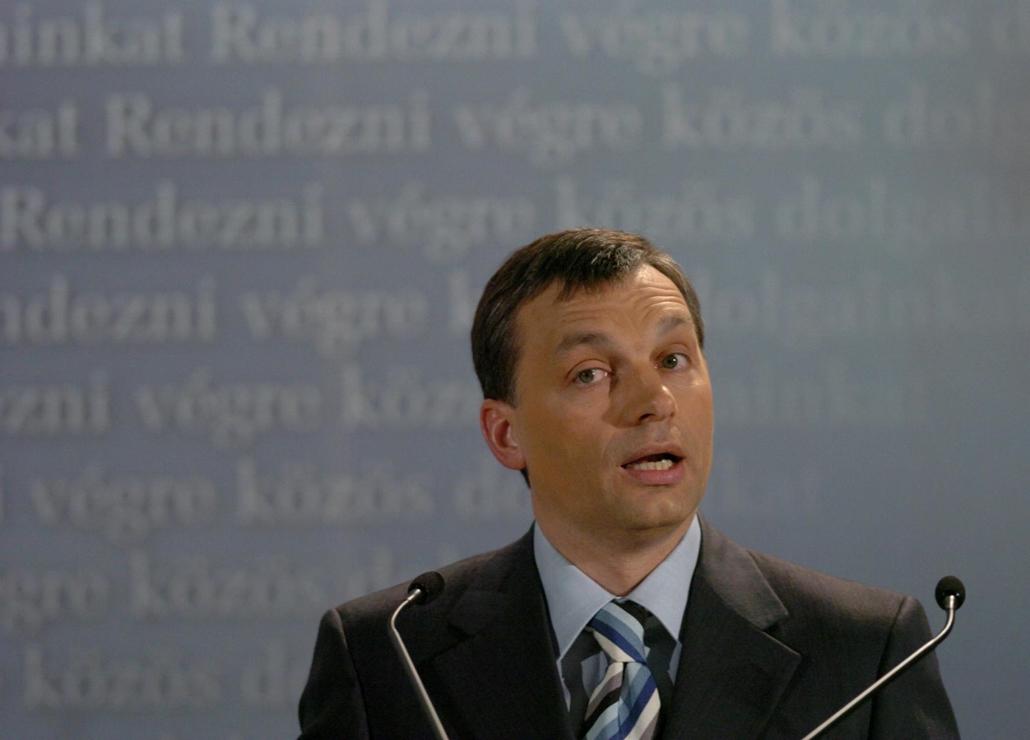 tg.04.02.10. Orbán Viktor  hatodik országértékelő beszédét tartja a Magyar Polgári Együttműködés Egyesület rendezvényén az ELTE Kongresszusi Központjában