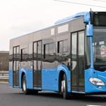 Fotók: átlépte a határt az első új busz