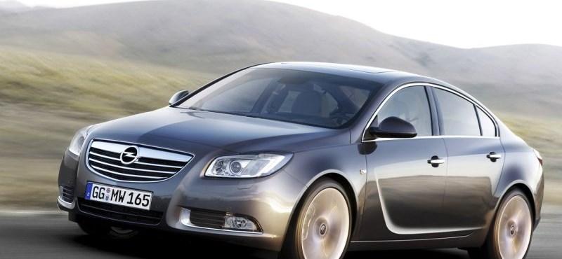 Tízmilliós fedett autókat vettek a Nemzeti Nyomozó Iroda akcióira