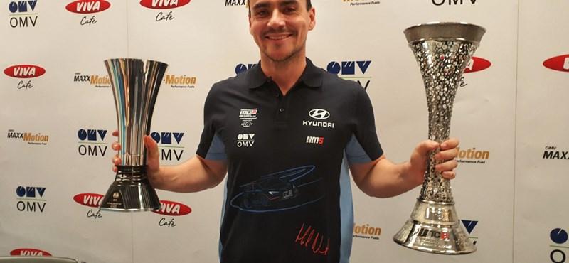 A bajnokot illető 1-es rajtszámot választotta Michelisz, a szezon tovább csúszik