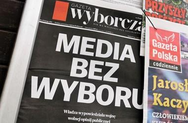 Orbánt másolja a lengyel kormány, amikor nekiesik a médiának