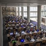 """Ebből nem lesz egyetemi """"csoda"""": a béremelés után is csak 190 ezer forintot keres majd egy fiatal oktató"""