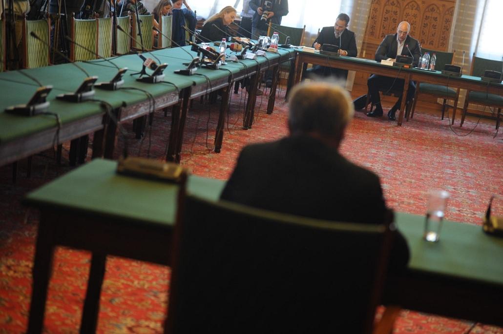 NAV, Horváth András 2013.11.27. Parlament