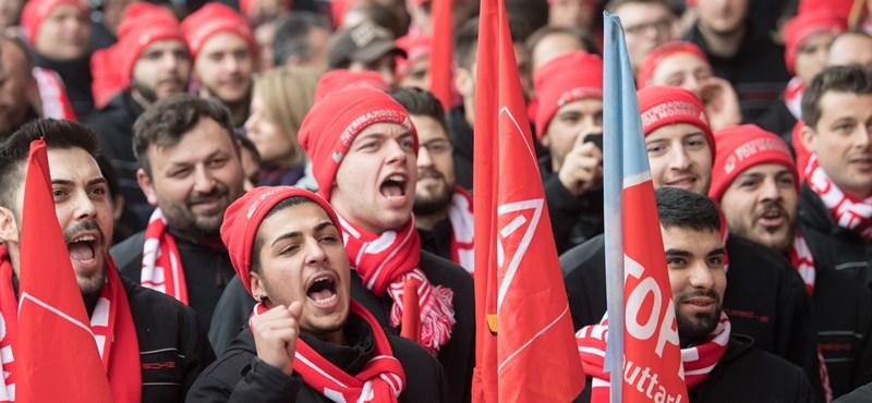 A 28 órás munkahétért sztrájkolnak Németországban