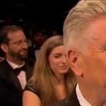 David Lynch meghatódott, akkora ováció fogadta a Twin Peakst Cannes-ban