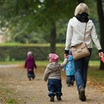 Egyedülálló szülőket támogató központ nyílik Budapesten