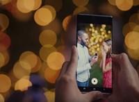 Finoman ugyan, de már az iPhone 11-et fricskázza egy videóban a Samsung