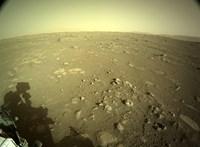 Rengeteg új fotó érkezett a Marsról, a Perseverance küldte őket