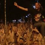 Dokumentumfilm készült a szigetes Foo Fighters-koncert kerekesszékes hőséről