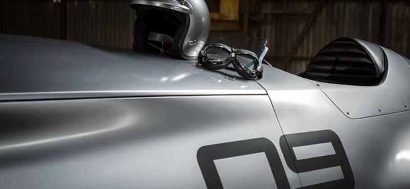 Az ötvenes évek Forma–1-esét idéző autót mutat be az Infiniti