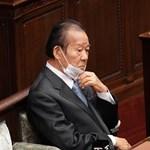 Részt vehetnek a nők a japán kormánypárt ülésein, csak ne beszéljenek