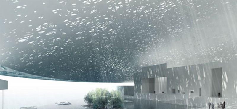 Új Louvre épül az arab sivatagban