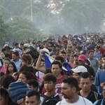 Veszélyesebb útvonalat választott Mexikóban a hondurasi menekültek csoportja