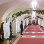 Fotók: varázslatos lett a Fehér Ház karácsonyi dekorációja