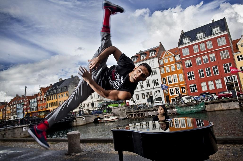Jia Lim zongorajátéka a ''Red Bull Flying Bach'' európai körútján
