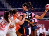 La medallista de plata Milac, Zsombor Berecz cerca del segundo lugar, el equipo femenino de balonmano vence a las españolas