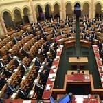 Nemmel szavazott az ellenzék, hétfőn nem ment át a felhatalmazási törvény