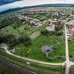 Vége a szabad drónozásnak, minden lakott területen külön engedélyt kell kérni hozzá